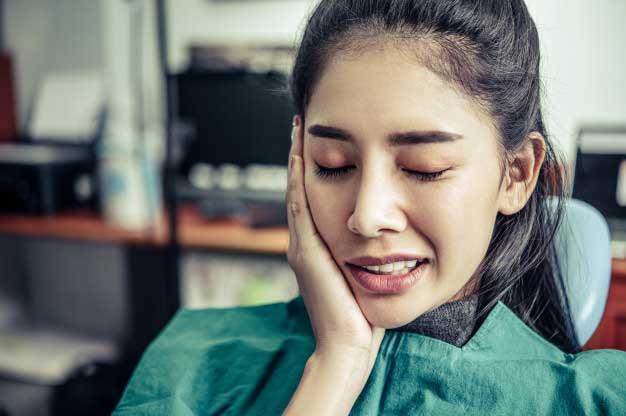 Tips-mengatasi-saat-Sakit-Gigi-di-Tengah-Pandemi-Corona
