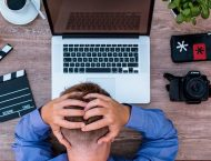 7-Tips-Mengatasi-Sakit-Kepala-Saat-Kerja-Lembur